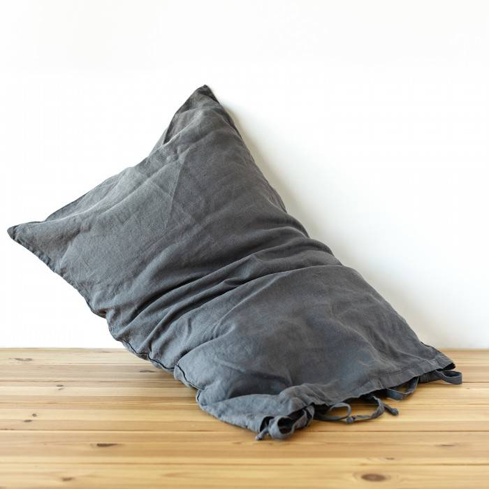CHARCOAL GRAY Linen pillow sham with ties