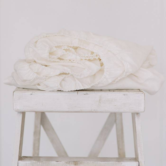 CREAMY WHITE Linen fitted sheet