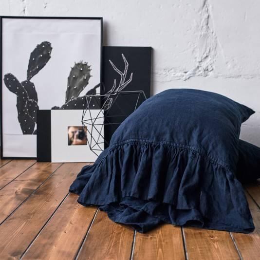NIGHT BLUE Linen pillow sham with ruffle