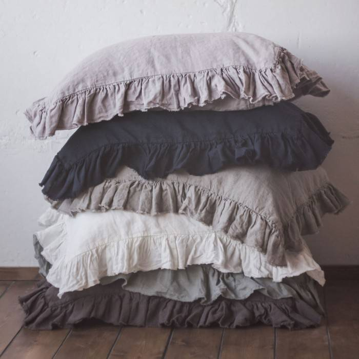 LINEN PILLOW SHAM  with raw ruffle