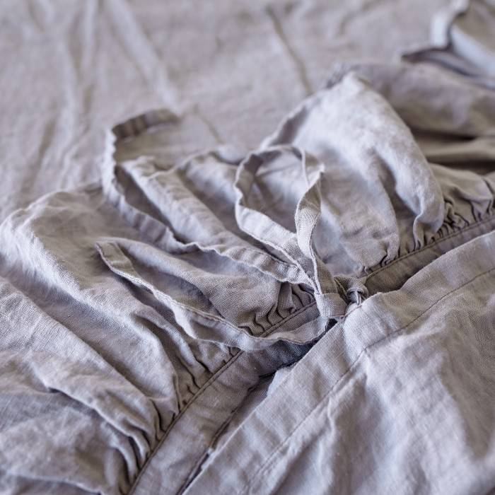 LINEN DUVET COVER  one ruffle