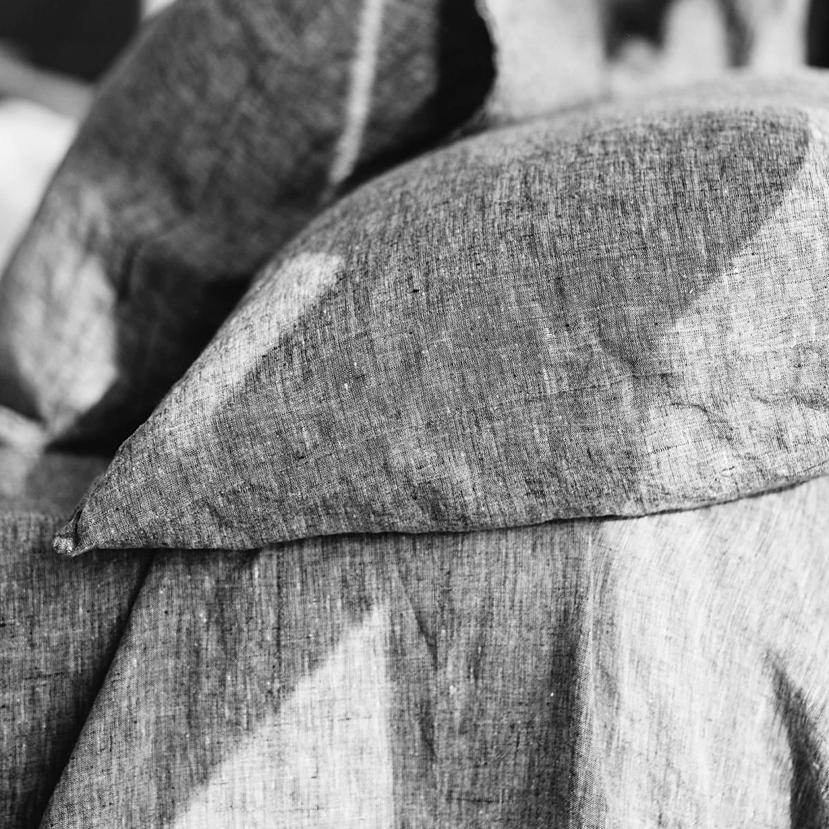 Linen Dark Gray Buttoned Sham Len Ok