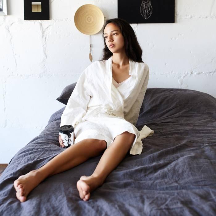 ANTIQUE WHITE Linen robe