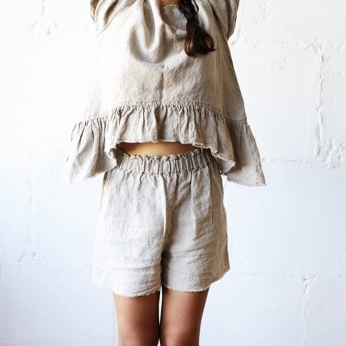 LINEN SHORTS  raw-edged