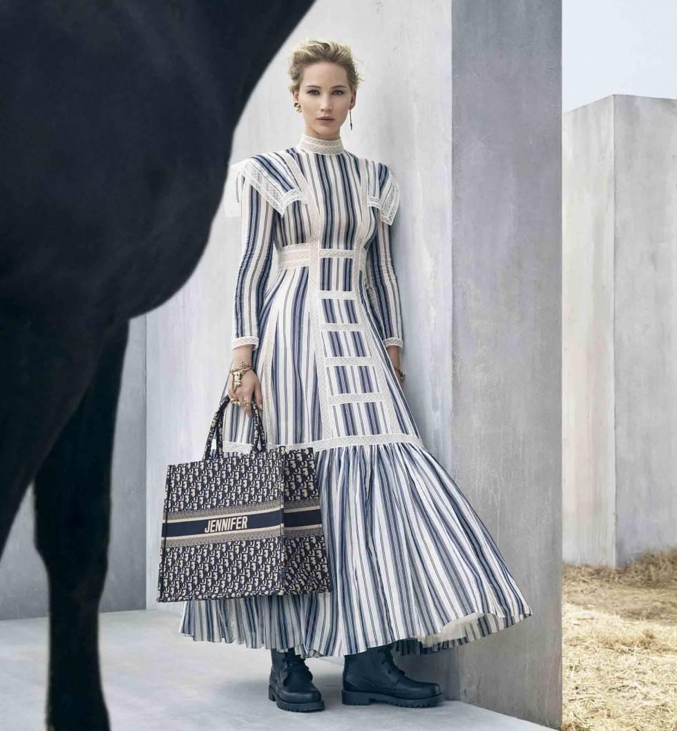 Linen dress as a catwalk trend 2019